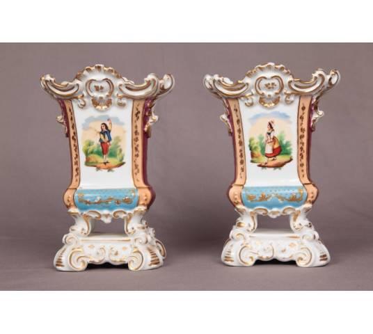 Ravant pair of porcelain vases from Old Paris of epoch 19 th