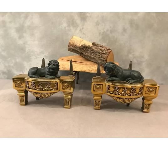 Beautiful pair of ancient imperial caterpillars to the then lions of the period 19 th in bronze