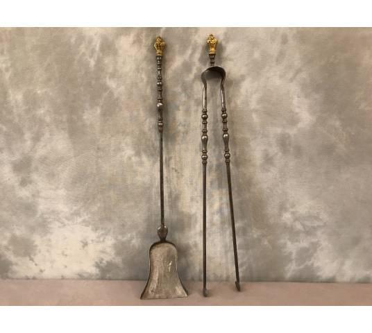 Ensemble d' une pelle et d' une pince en fer et bronze gilded d' epoch 19 ème