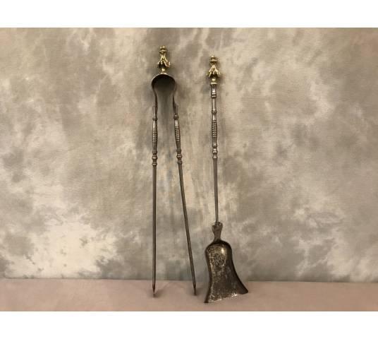 Ensemble d' une pelle et d' une pince en fer et bronze d' epoch 19 ème