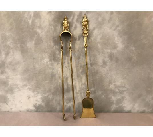 Ensemble d' une pelle et d' une pince de chimney en Bronze et brass d' epoch 19 ème